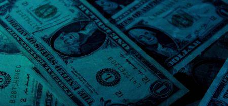 ارتفع الدولار الأمريكي بعد المفاجأة المتفائلة للاحتياطي الفيدرالي